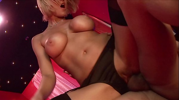 Three Amateur Babes Pleasuring Two Dudes in British Lesbo & Anal Orgy