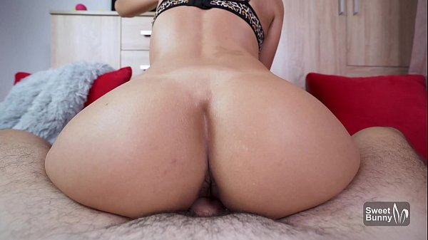 Bubble Butt GF Gets Fucked In Pov - Huge Cumshot On Ass