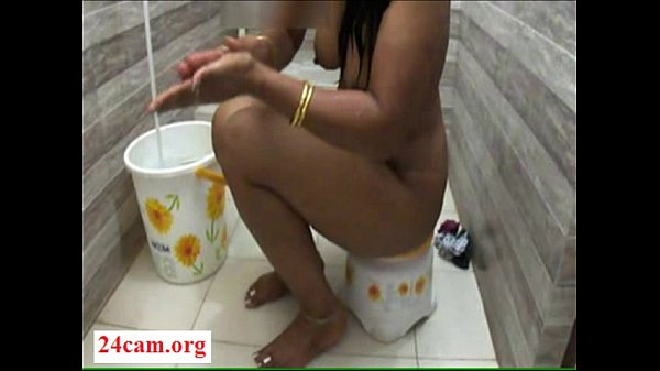 Desi mona bath in hotel bath room- 24Cam.org Thumb