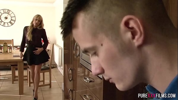 Cougar loves fucking young guys