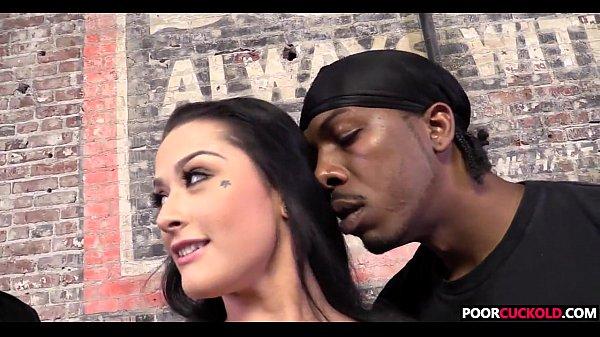 Cuck witness his wife Katrina Jade banging two BBCs Thumb