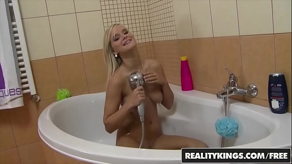 Mikes Appartment - Euro teen (Marry Queen) gets fucked after her bath - Reality Kings  thumbnail