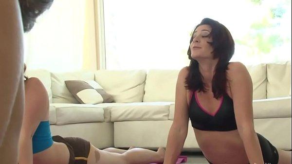 Толстая баба сосет паренек порно порно