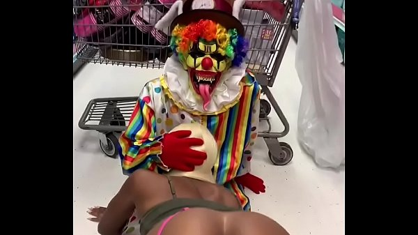 Clown gets dick sucked in party city Thumb