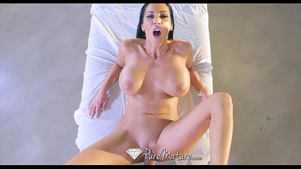 סרטי סקס PureMature – Big boobs milf Veronica Rayne gets fucked