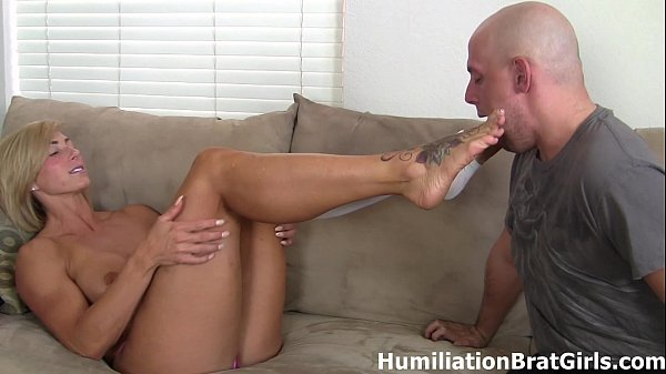 Peeling Rapture's socks off and sucking on her toes! Thumb