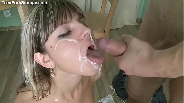 gina gerson play with her friend Thumb
