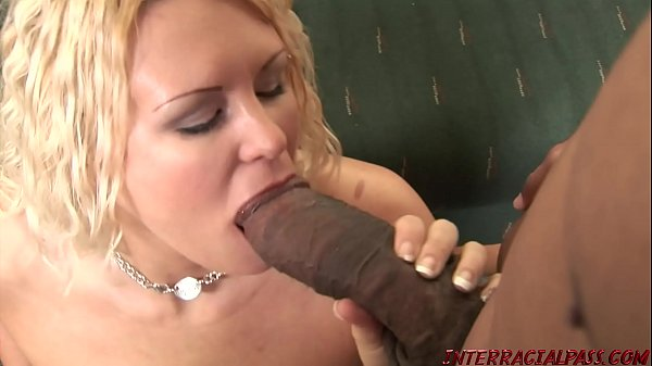 Soccer Mom rammed by huge black dick Thumb