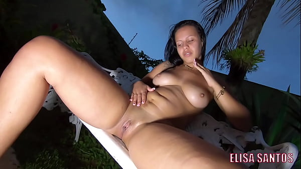 I love showing off in my backyard to the neighbors - Elisa Sanches