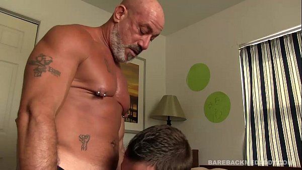 2018-11-11 16:36:53 - Renting Daddy's Room 8 min  HD http://www.neofic.com