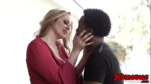 Goddess Julia Ann stuffing pussy with young BBC Thumb