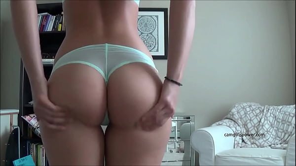 Tatted College Hottie Shows Off Her Ass ( Camgirlspower.com )