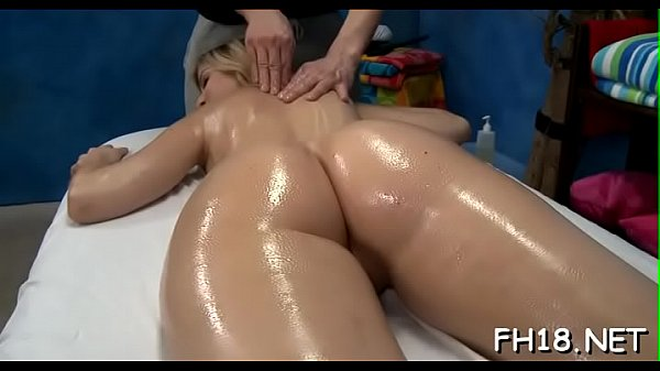 Girlie performs deep throat oral pleasure after vaginal banging Thumb
