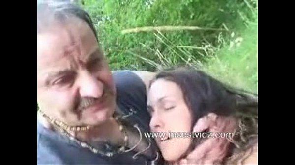 pornofoto-raskaryachenaya-zrelaya-baba