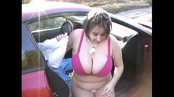 Biggest tits EVER SEEN out of bra fingering in outdoors