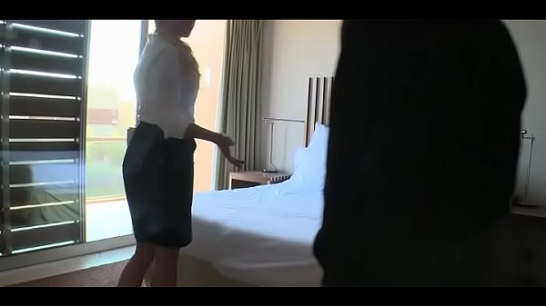 Женщина с мужиком занимается сксами