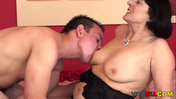 VODEU - Hairy grandma and her y. lover