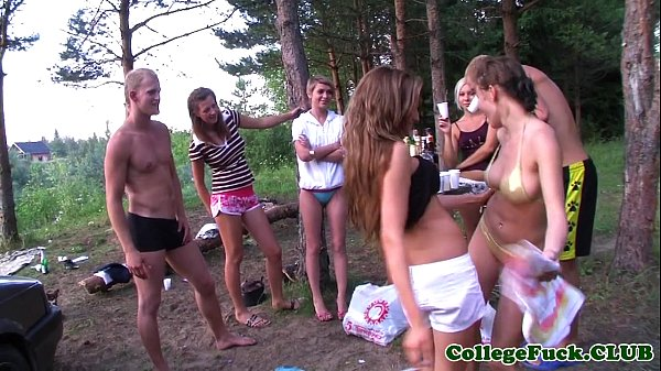 Teens Dulsineya and Jewel outdoors Thumb