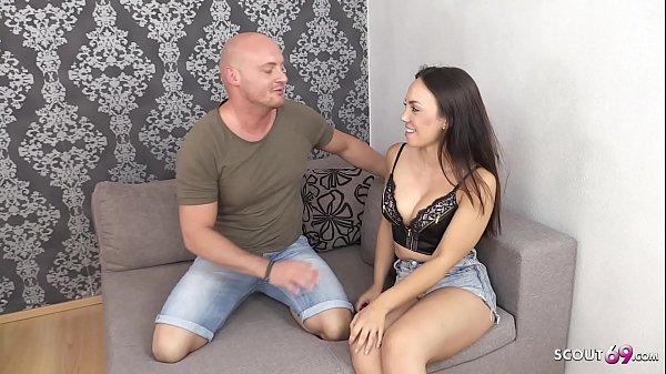 Junge Turkin bei ersten Porno Dreh ohne Gummi rein gespritzt - German Amateur