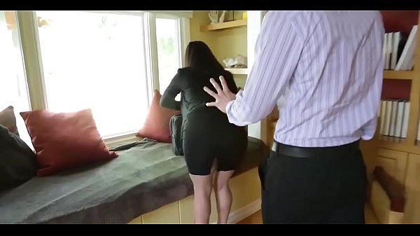 Sophie Dee's Boobs Distract her Boss from Work! Thumb