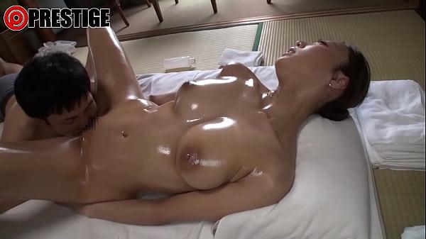 細身巨乳過ぎる9頭身人妻 松嶋葵 31歳 人妻不倫温泉