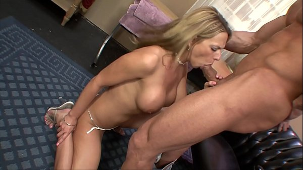 סרטי סקס Big Tit Blonde MILF Gets Fucked At Work