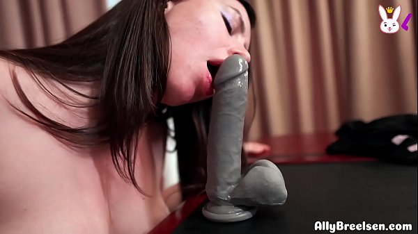 Business Lady Fingering and Fucking Wet Pusy Dildo Amateur Solo