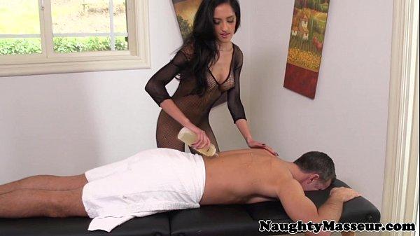 Massage babe Chloe Amour in fishnet nailed Thumb