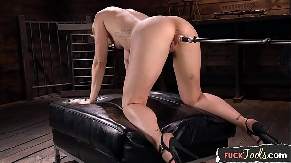 Toy babe pussyfucked by sex machine Thumb