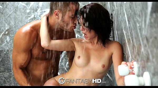FantasyHD - Danny fucks Kiera Winters in the shower Thumb