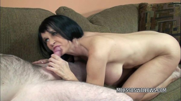 Slutty housewife Melissa Swallows is sucking some dick