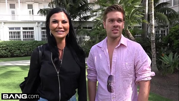 Jasmine Jae is a hot MILF with big tits and a pierced clit. The trio go to the beach where Jasmine exposes her pussy for the public to see! Thumb