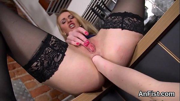 Русская госпожа заставила раба лизать жопу