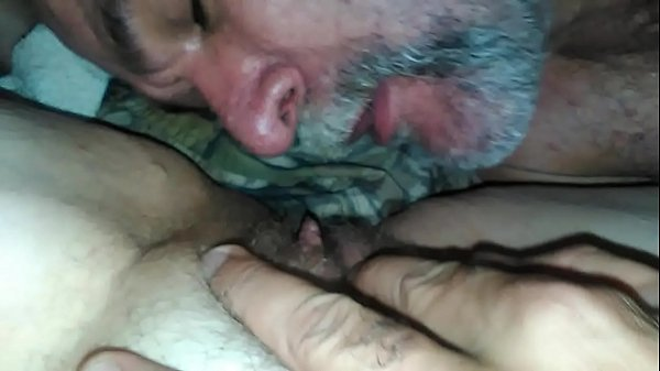 daddy licks mom's pussy Thumb