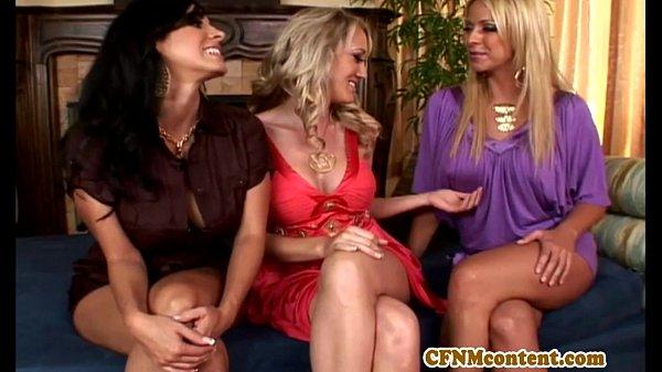 CFNM femdom Brianna Beach pussy rubbing