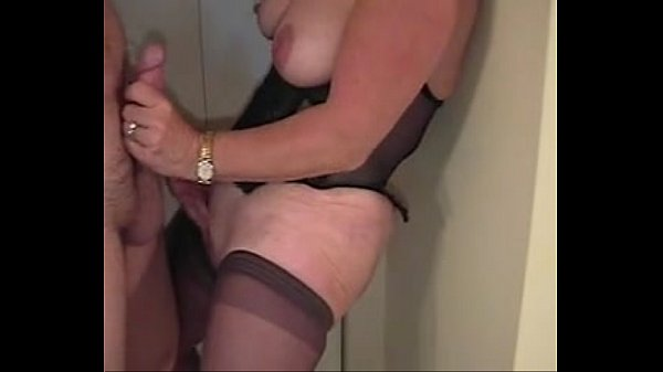 Women pissing the bed