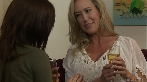 Hot lesbians Brandi Love and Jenna J Ross Thumb