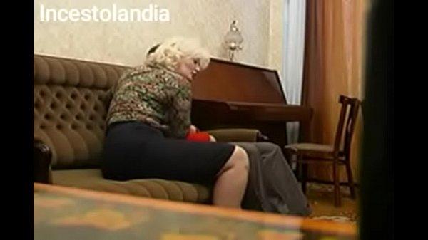 Madre folla con su hijo 1