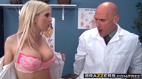 Two slutty nurses (Christie Stevens, Jacky Joy) service doctors cock - BRAZZERS Thumb