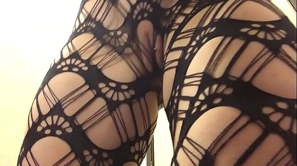 PAWG Butt Jiggle in Fishnets