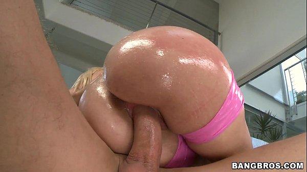 Big Booty White Girl Takes Bbc