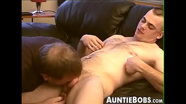 2018-12-21 02:01:28 - Hairy young dude sucked dry by a mature horny homosexual 8 min  http://www.neofic.com