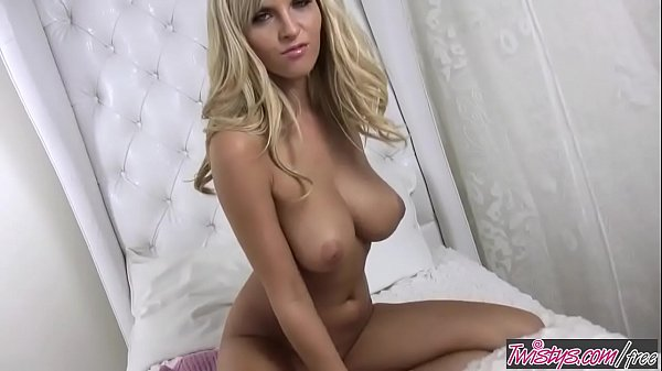Busty blonde (Chikita) rubs her tight pussy in ...