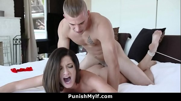 Silvia Wants to Cheat and Fucks Her Stepson Thumb