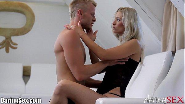 סרטי סקס DaringSex Hot MILF SQUIRTS over and over!
