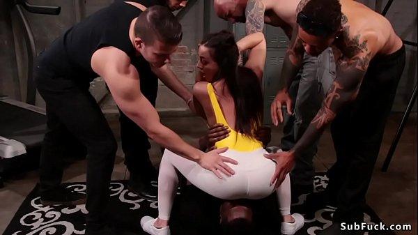 Brunette in leggings gets dp at gym