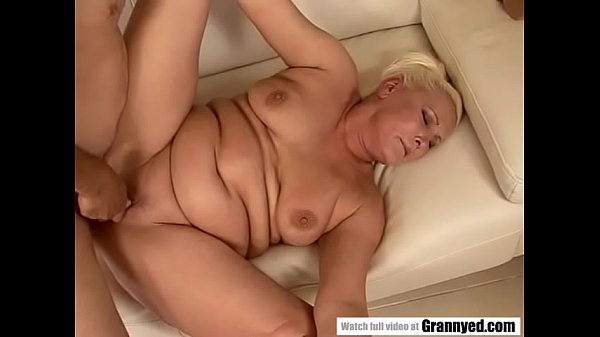 Бабу пустили по большому кругу порно