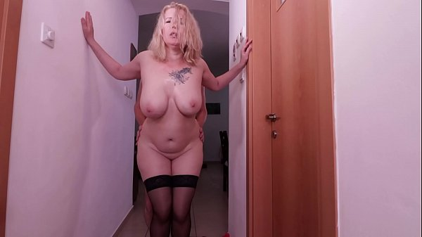 Hot fuck in the hallway