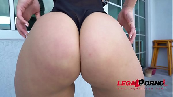 Fat Ass Booty from Miami Kelsi Monroe 1st time DP on LP - Best fuck of her Life!