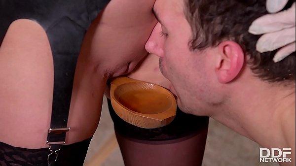 A Pinning Experience - Domina Yasmin Scott Urinates On Submissive Guy Thumb